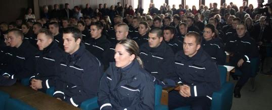 60 kadeta položilo svečanu zakletvu pred ministrom i policijskim komesarom MUP-a TK-a