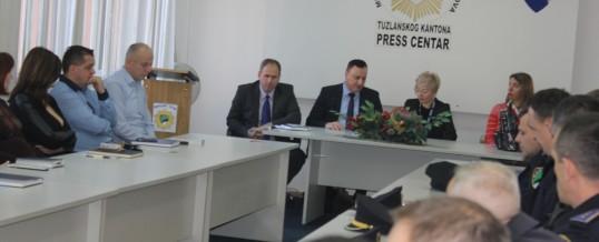 """Održan sastanak na temu """"Praktični vodič za pripadnike Ministarstva unutrašnjih poslova  TK-a u predmetima trgovine ljudima"""""""