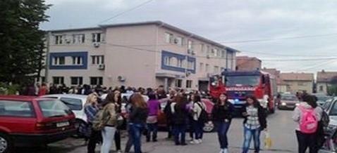 Uprava policije MUP TK – KT Tuzla podnesen izvještaj protiv tri srednjoškolca zbog lažnih dojava