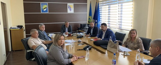 Uprava policije MUP-a TK – Održan sastanak sa predstavnicima Komisije za borbu protiv korupcije Skupštine Tuzlanskog kantona